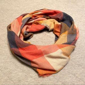 Plaid V shaped scarf